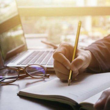 Pe cine interesează scriitorii români?