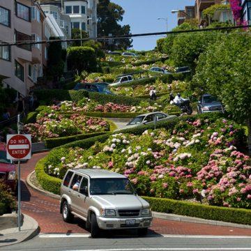 Pe Cable Car spre Lombard Street